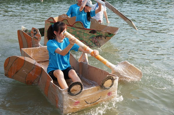 Cardboard Boat Building - Jambar Team Building